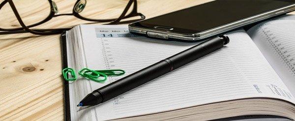 Agenda y móvil para organización para trabajarr por internet